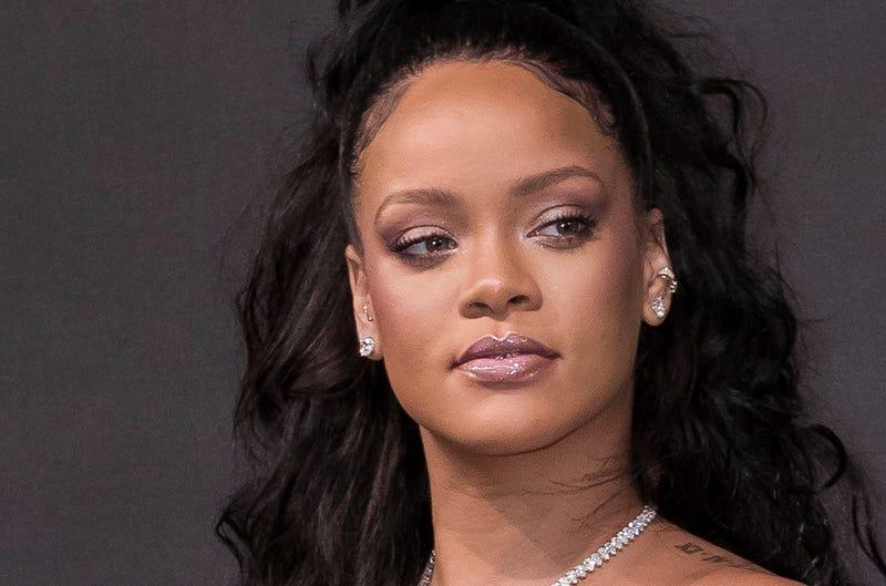 Illustration for article titled Rihanna responde al estúpido anuncio publicado por Snapchat que proponía azotarla