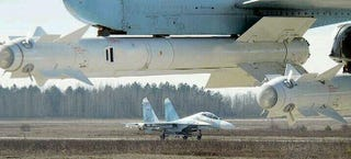 Illustration for article titled Photo: Russia deploys armed jets in response to NATO fighters in Poland