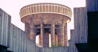 Illustration for article titled Algunas de las torres de agua más extrañas creadas por la ingeniería