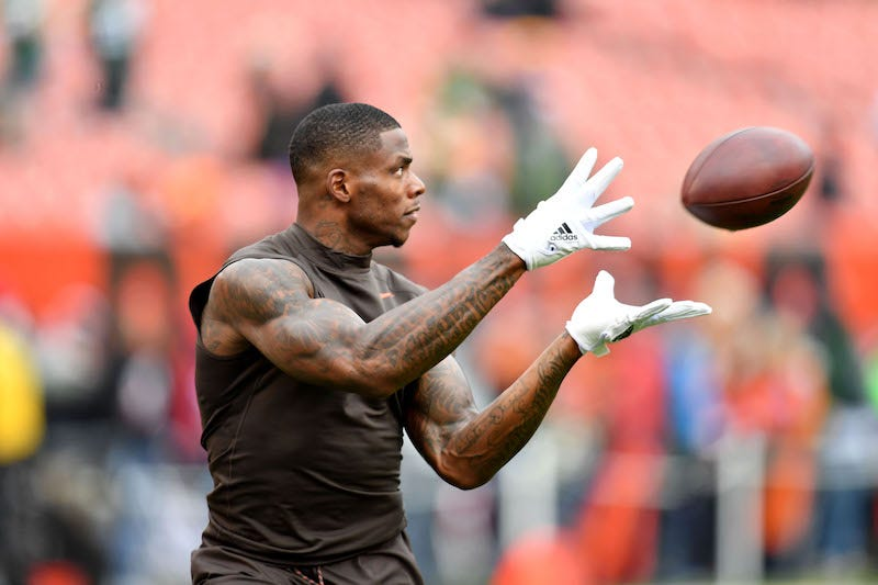 Illustration for article titled Josh Gordon Traded To The Patriots, Of Fucking Course