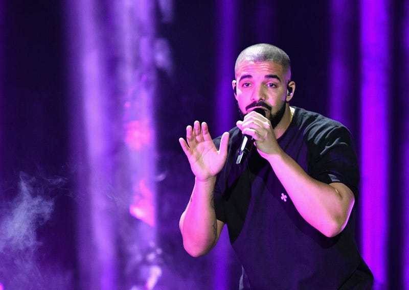 Illustration for article titled 11-Year-Old Fan Surprised by Drake at Hospital Gets Heart Transplant