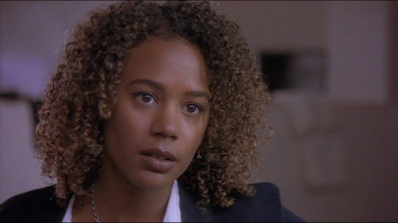 Rachel True as Rochelle Zimmerman.