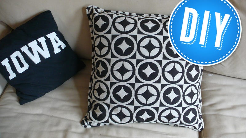 How To Ditch Your Boring Throw Pillows For Something Cooler Adorable How To Use Decorative Pillows