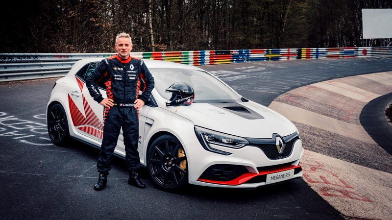 The Renault Megane RS Trophy-R Just Beat Up The Civic Type R and Stole Its Nürburgring Crown