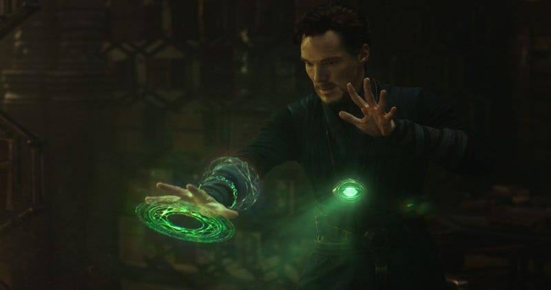 Illustration for article titled Las nuevas imágenes de Doctor Strangenos revelan el lado más mágico de Marvel