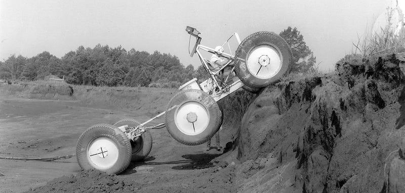 Illustration for article titled Cómo la NASA perdió un prototipo de rover lunar que acabó en un desguace
