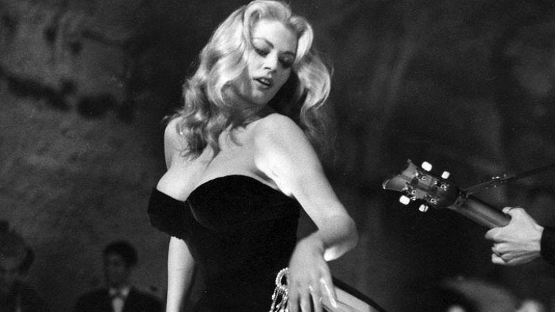 Illustration for article titled R.I.P. Anita Ekberg, star of La Dolce Vita