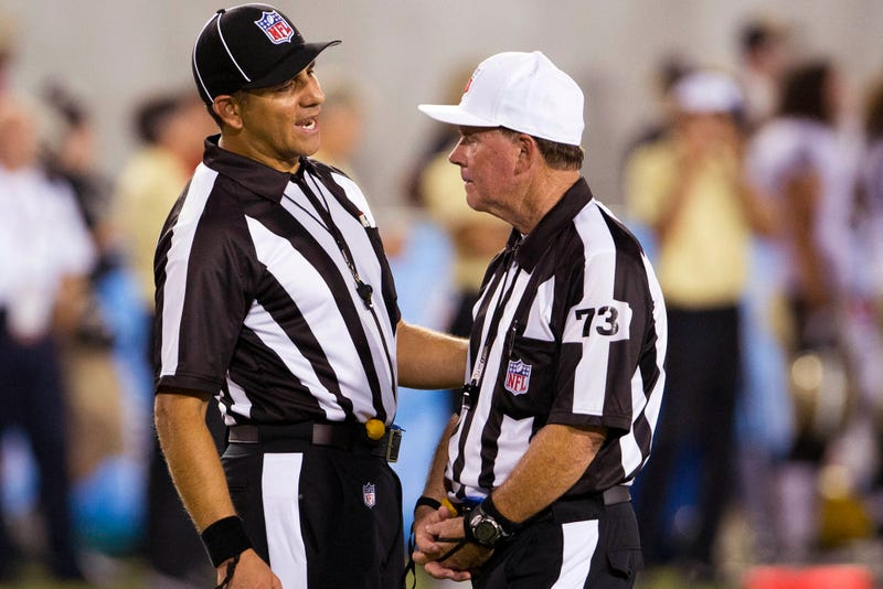 Illustration for article titled Gaffes By NFL Replacement Referees