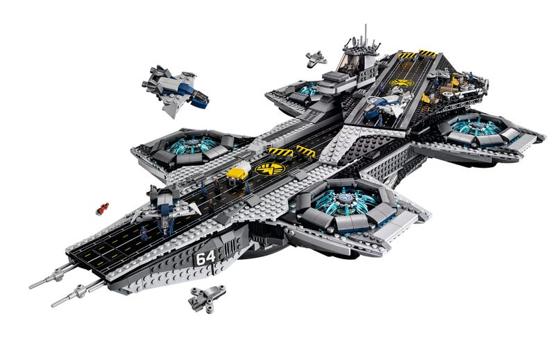 Illustration for article titled New Lego SHIELD Helicarrier Is Gigantic, As It Should Be