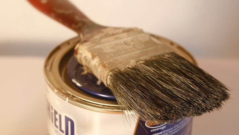 Clean Dirty Paintbrushes In a Snap with a Fork