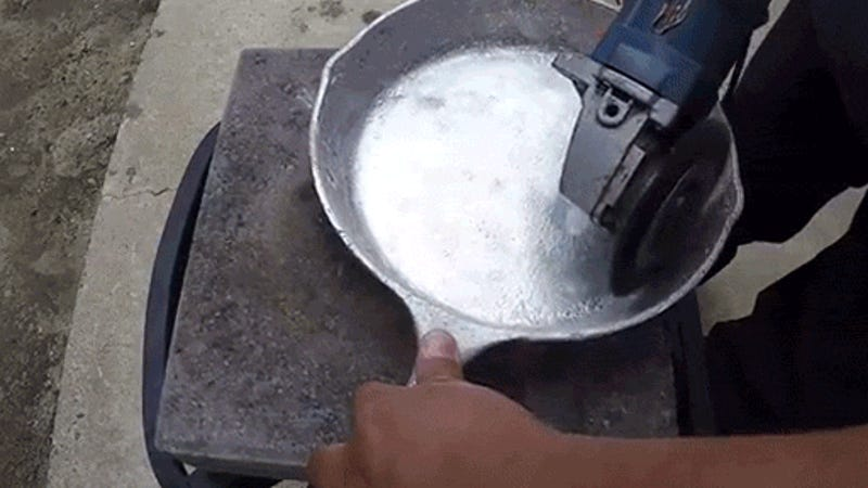 Casting an Aluminum Skillet from Molten Metal Is Totally Worth It