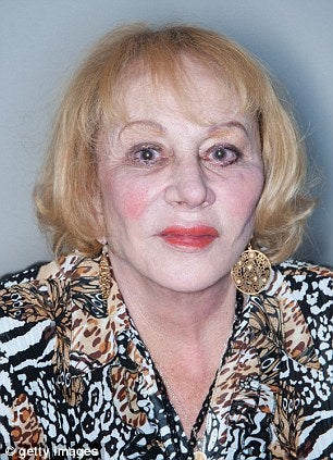 Illustration for article titled Sylvia Browne, Infamous Fraudster and Criminal, Dead at 77