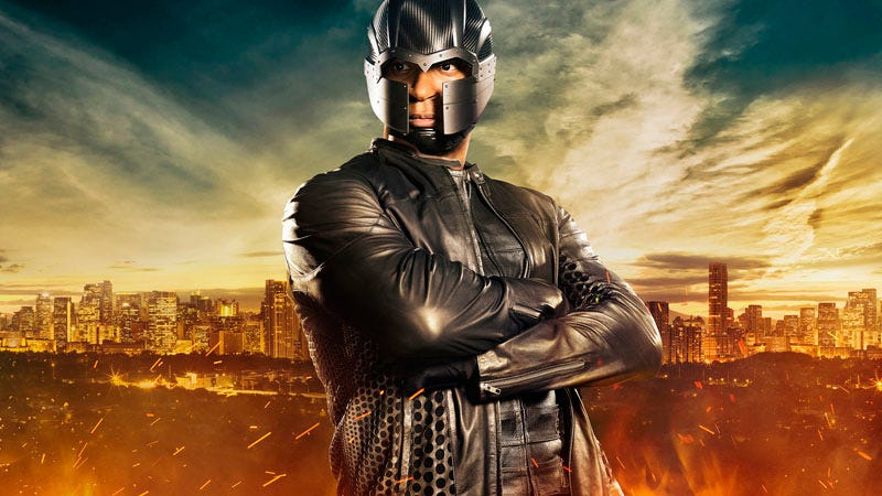 Illustration for article titled What in God's Name Is Diggle Wearing in Arrow Season 4