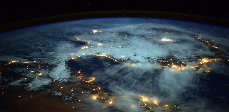 Illustration for article titled Un misterioso pedazo de basura espacial caerá a la Tierra el 13 de noviembre