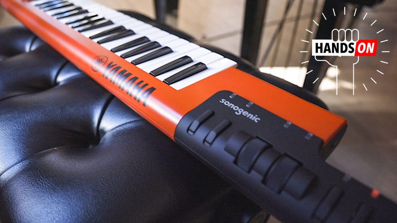 Illustration for article titled This Keytar Learns the Chords So You Don't Have To