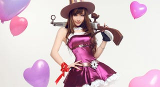Illustration for article titled Chinese Cosplayer's Image Stolen To Sell Companion Services