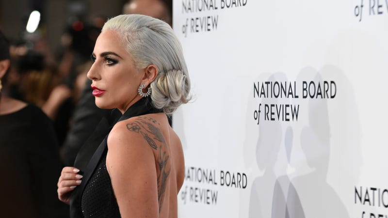 Illustration for article titled Lady Gaga Apologizes for Working With R. Kelly