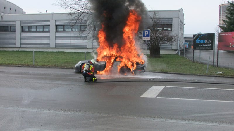 Illustration for article titled Porsche Reportedly Halts GT3 Sales Due To Potential For Fiery Death