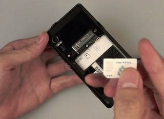 Illustration for article titled GSM Motorola Droid Caught on Video