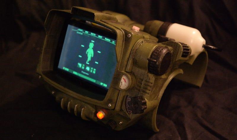 Cómo hacer tu propia computadora Pip-Boy de Fallout con una impresora 3D