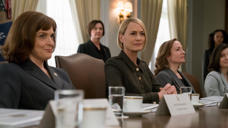 Illustration for article titled Julia Roberts comes home to TV, and Robin Wright gets a seat at the head of the table