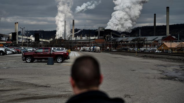 The Fossil Fuel Industry Would Be Screwed Without the U.S. Government Propping It Up