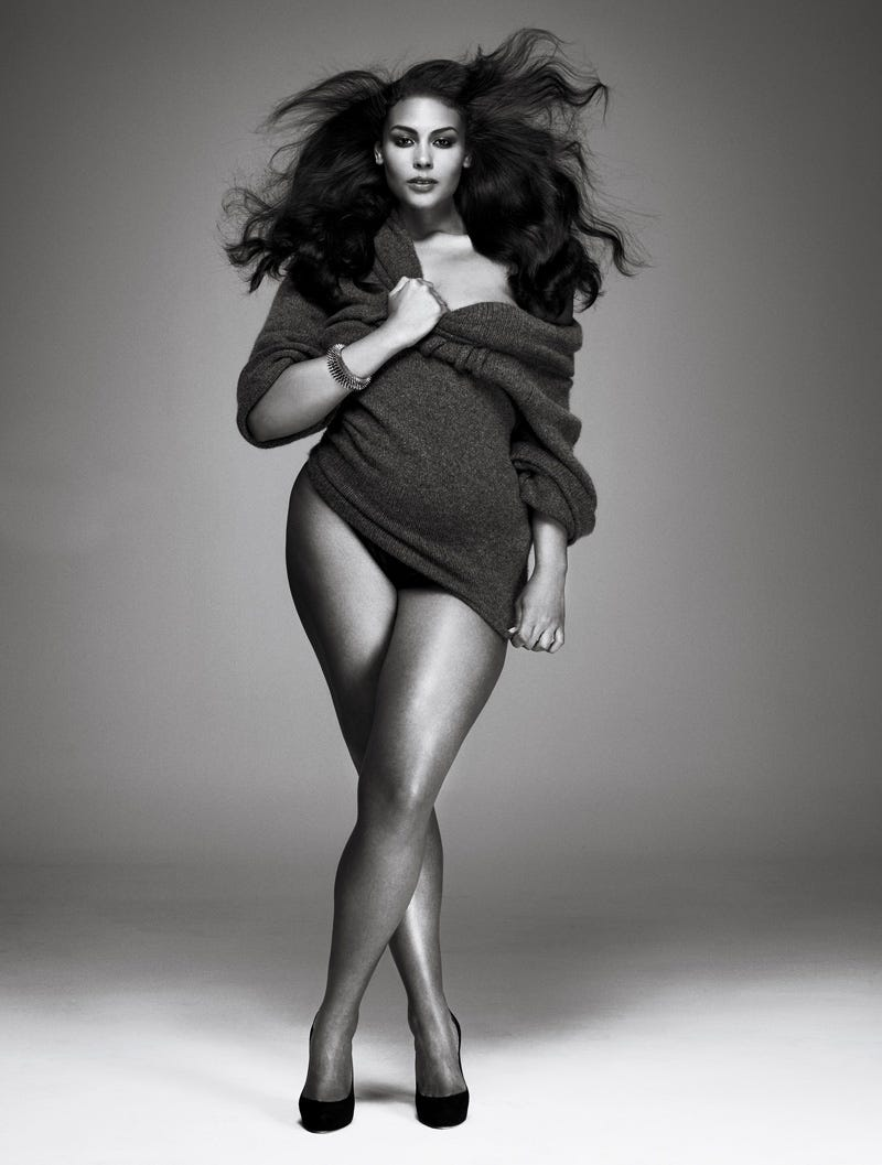 Illustration for article titled V Gives The World A Plus-Size Shoot Not Afraid To Flaunt Its Curves