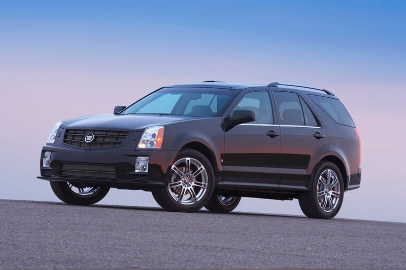 Illustration for article titled Gimmie some deets: First-gen Cadillac SRX