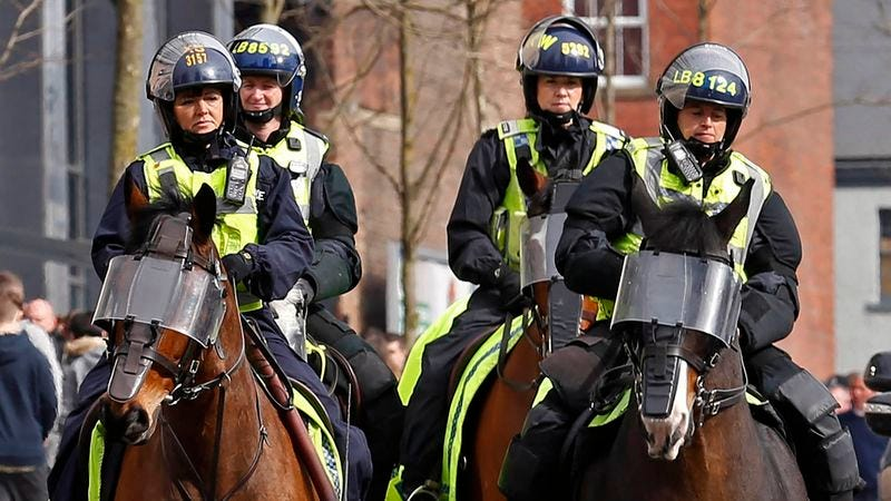 Illustration for article titled Extra Leicester Police Being Deployed To Join In With Celebrating Leicester City Fans After Title Win