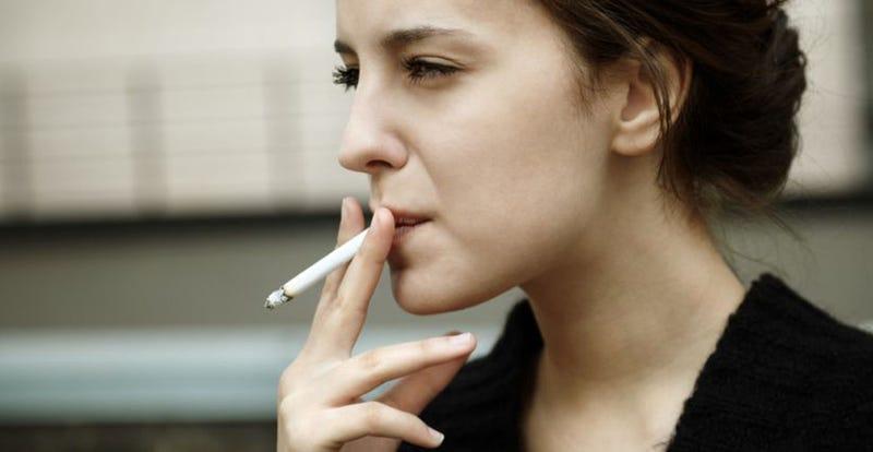 La estimulación magnética en el cerebro reduce las ganas de fumar