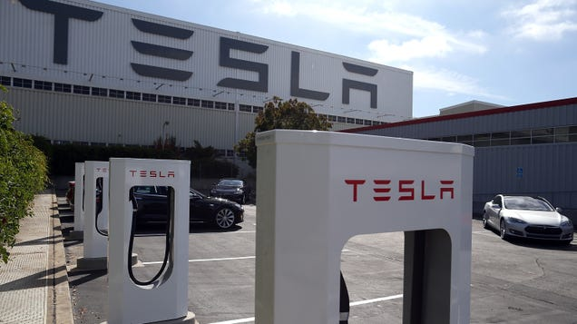 After Telling Staff That Working During Pandemic Was Voluntary, Tesla Reportedly Sent Termination Notices