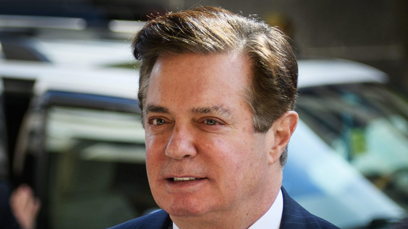 Convicted felon Paul Manafort sure is having a fun one on this old episode of What Would You Do?