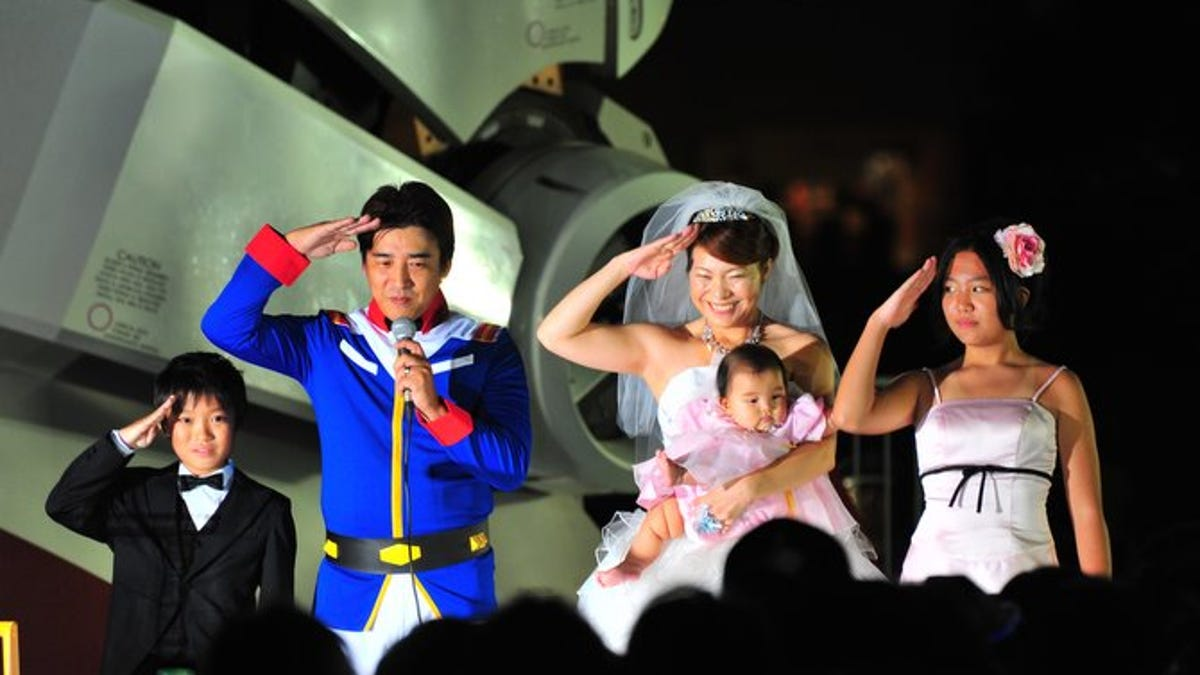 This Is What A Gundam Wedding Looks Like