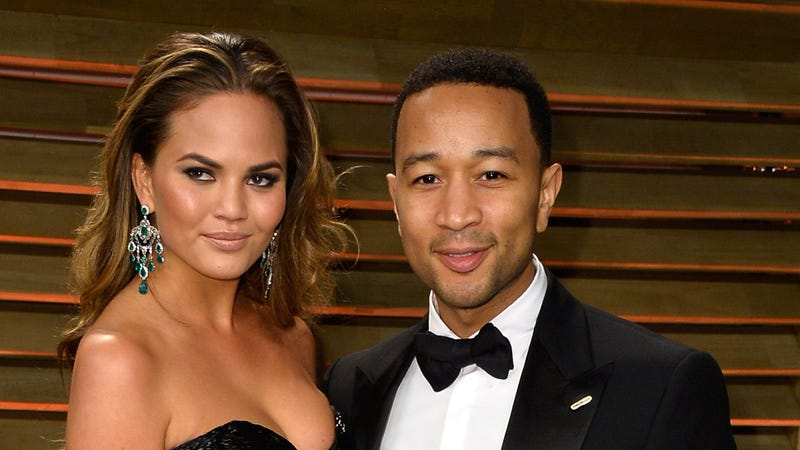 Illustration for article titled Chrissy Teigen and John Legend Had Sex in First Class Under a Blanket