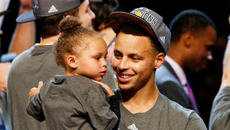 Illustration for article titled Riley Curry Allows Golden State Warriors to Participate in Her Parade