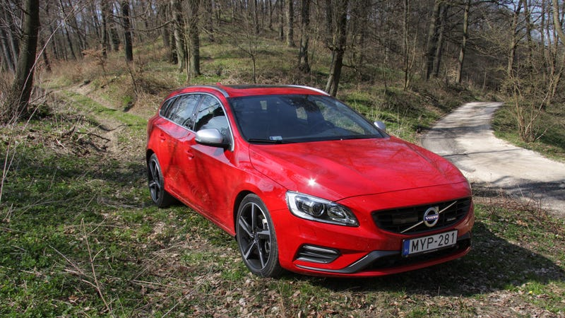 Illustration for article titled The Volvo V60 Might Be Old, But It Isn't Ready To Die