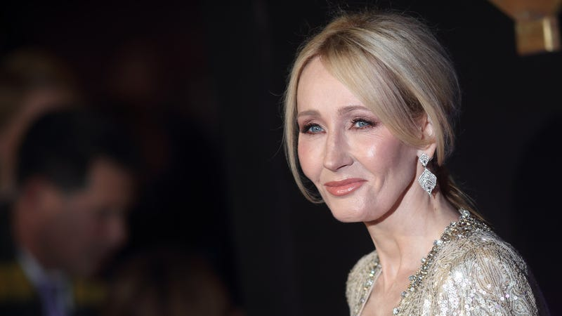 Illustration for article titled The Saga Continues: J.K. Rowling Has Revealed That She Herself Once Snuck Into Hogwarts To Steal Snape's Underwear And Then Sold It To Perverts On Craigslist For $15 Each