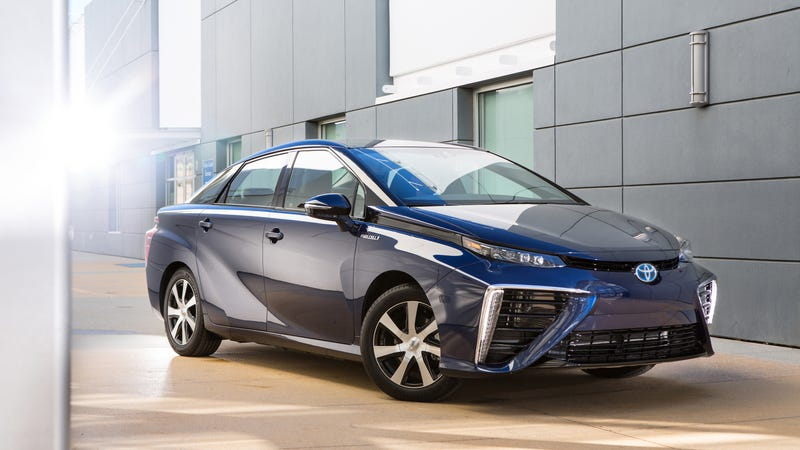 Illustration for article titled Toyota Wants To Make Its Hydrogen Cars Cost The Same As Hybrids By 2025: Report