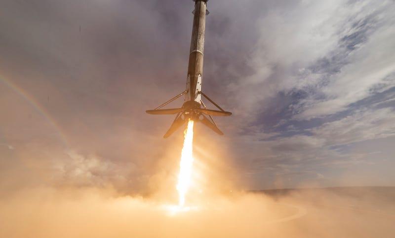 Una misión anterior de SpaceX en la que la primera fase del Falcon 9 sí aterrizó sobre su objetivo.