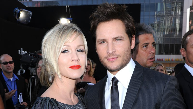 Illustration for article titled Jennie Garth and Peter Facinelli Divorce, Driving a Stake Through the Heart of Love