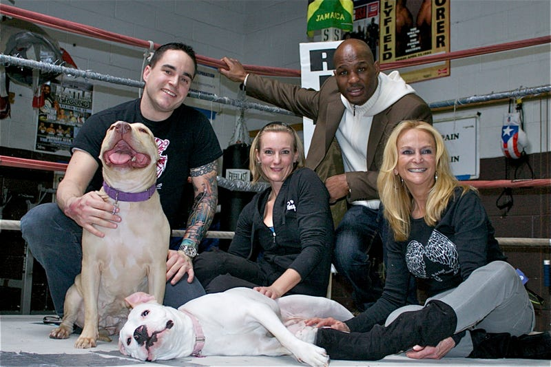 Illustration for article titled Bernard Hopkins Reminds You To Have Your Pit Bulls Spayed Or Neutered