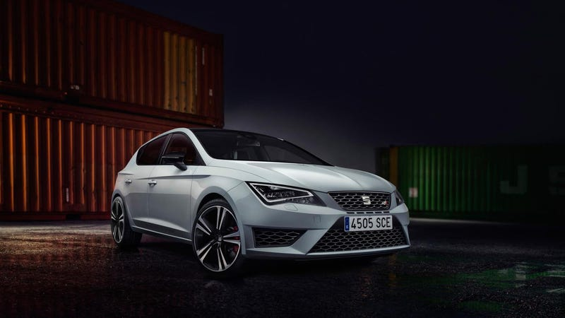 Illustration for article titled The Seat Leon Cupra 280 Is A Sexy Four-Door Golf R America Won't Get