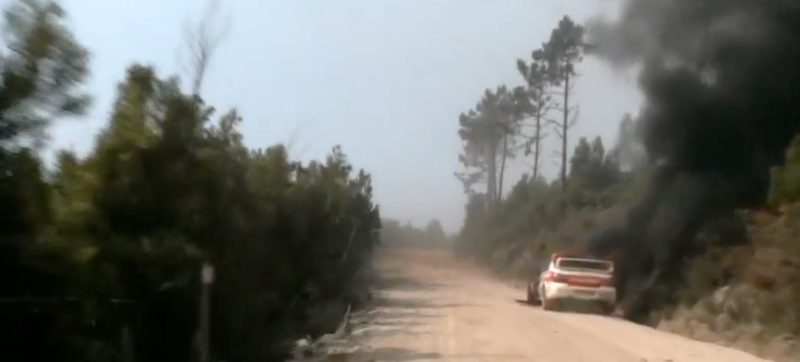 Illustration for article titled Rally Portugal Safety Car Catches Fire On Stage, Left To Burn