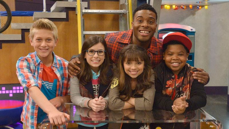 Mitchell with the cast of Game Shakers