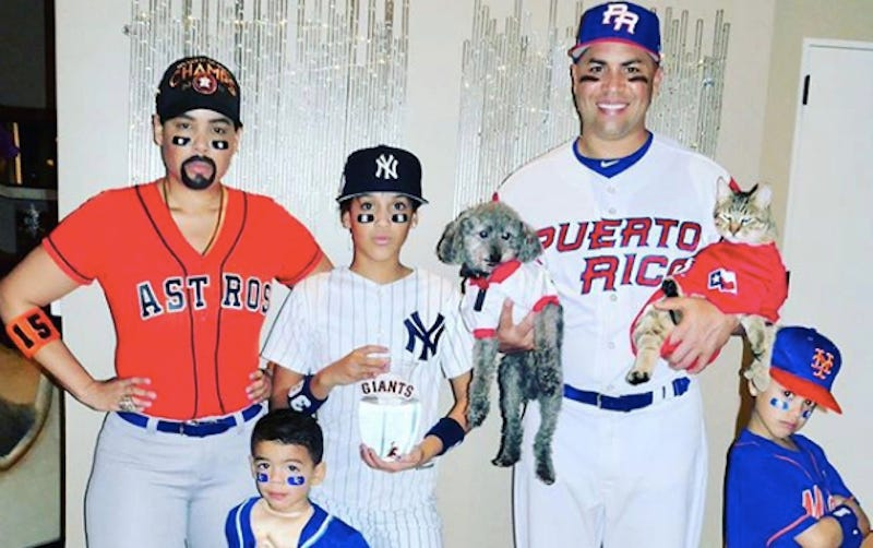 Illustration for article titled Carlos Beltran And His Family Dressed Up As Carlos Beltren