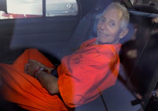 Illustration for article titled Robert Durst Eyed in 1997 Disappearance of Two Teen Girls