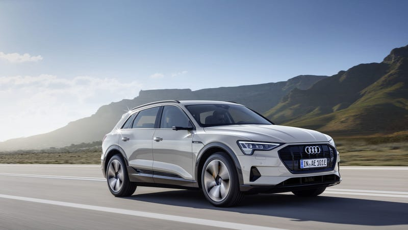 Audi Q5 0 60 >> The 2019 Audi E Tron Is A 74 800 All Electric Suv That Can