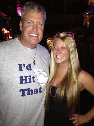 "Illustration for article titled Here's Rex Ryan Wearing An ""I'd Hit That"" Shirt"