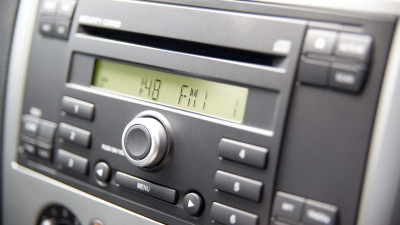 Illustration for article titled Will AM And FM Radio Really Be Eliminated On New Cars?