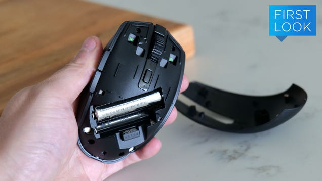 The New Razer Orochi V2 Is a Nice Little Lightweight Travel Mouse for Gamers